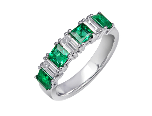 Everything You Need to Know about Green Diamonds
