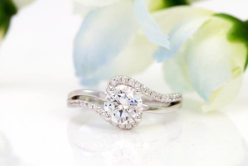Gemstone vs. Diamond Engagement Rings